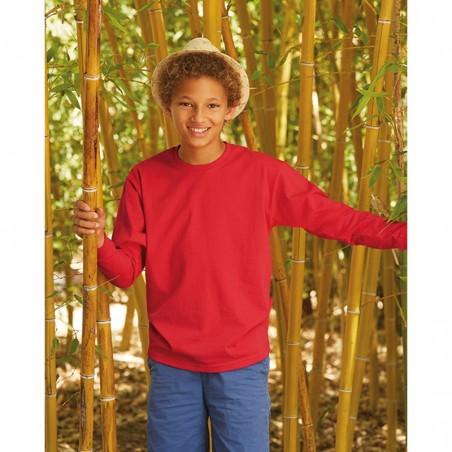 modelo con camiseta de manga larga roja para personalizar en marcate.net