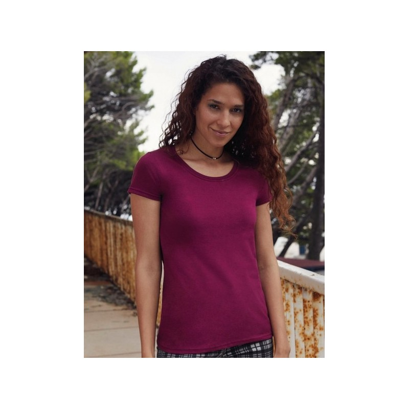 model photo with the women's premium t-shirt to personalize at marcate.net