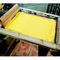 serigrafiando camisetas marcate.net serigrafia pantalla con color amarillo