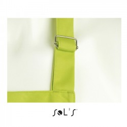 detail of the adjustable metal ring of the green apron to personalize at marcate.net