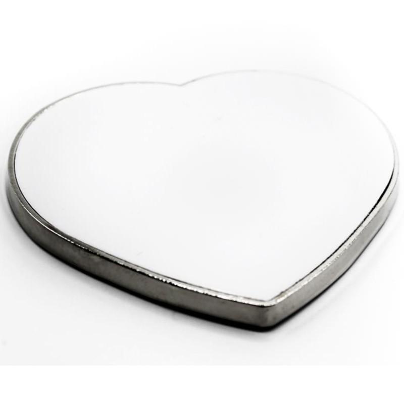Foto de imán metálico en forma de corazón en blanco para personalizar en marcate.net